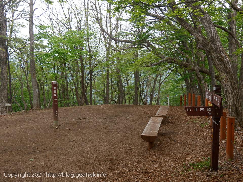 210515 惣岳山山頂