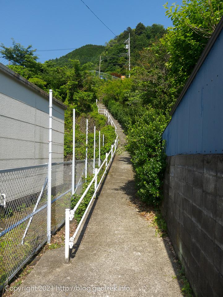 210529 石尾根登山口へのショートカット。
