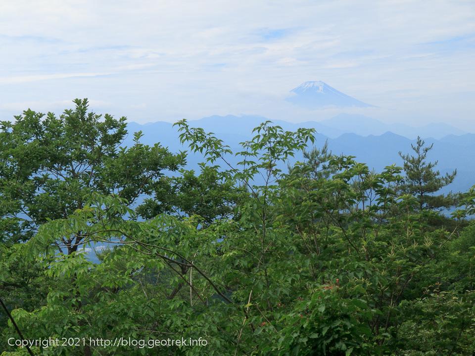 210612 生籐山から富士山