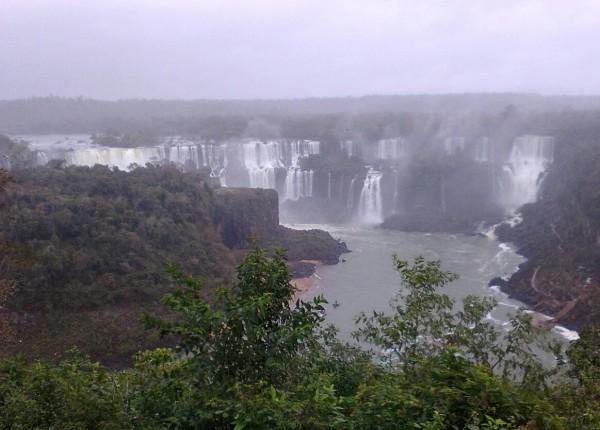 130826イグアスの滝