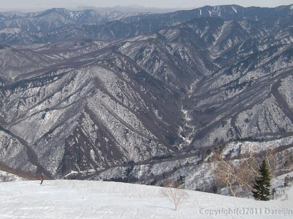 120421会津駒ヶ岳・どこまでも広い斜面
