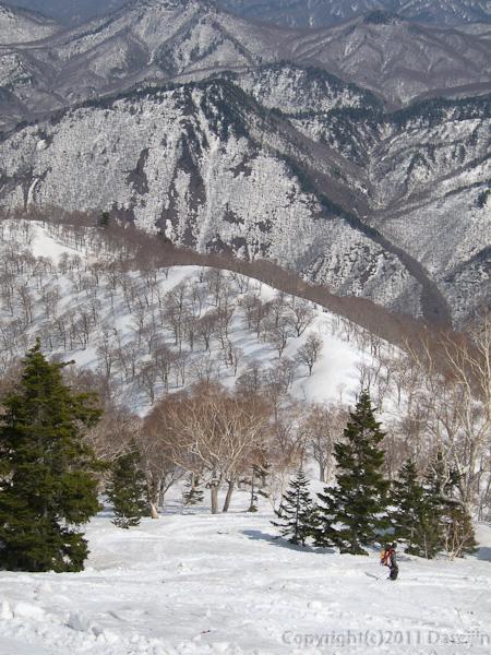 120421会津駒ヶ岳・目指す尾根も真っ白