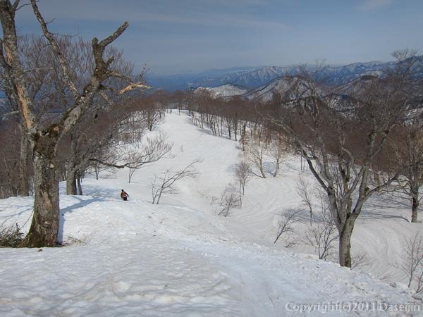 120421会津駒ヶ岳・快適な尾根が続く