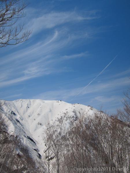 120421会津駒ヶ岳・窓明山と青い空