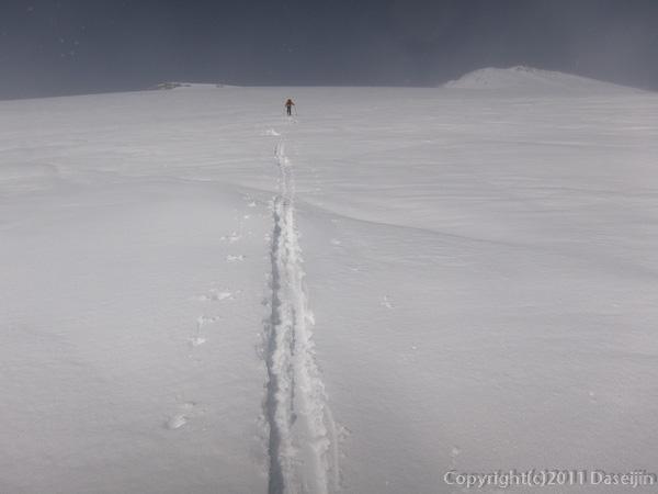 120303富士山・宝永山に向けて