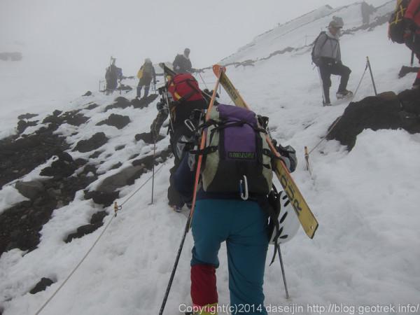 140531富士山、山頂到着