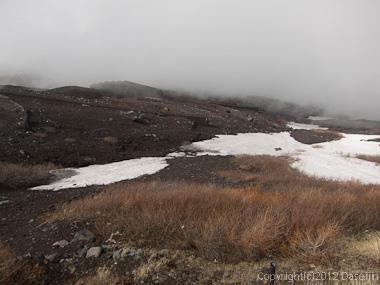 120526富士山・スキーを脱ぐ