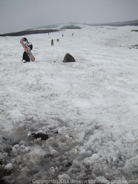 140531富士山、雪渓末端