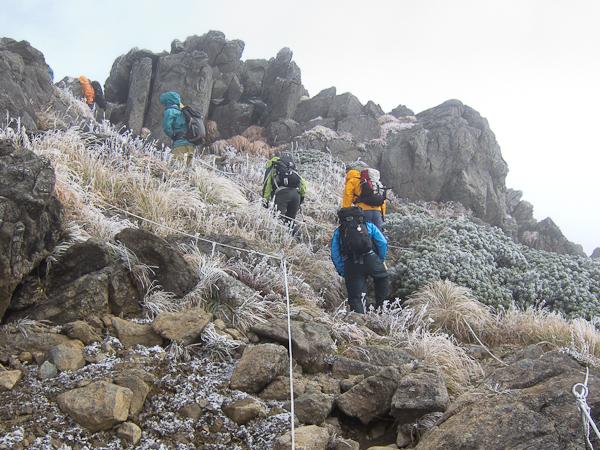 111002早池峰山・もうすぐ頂上