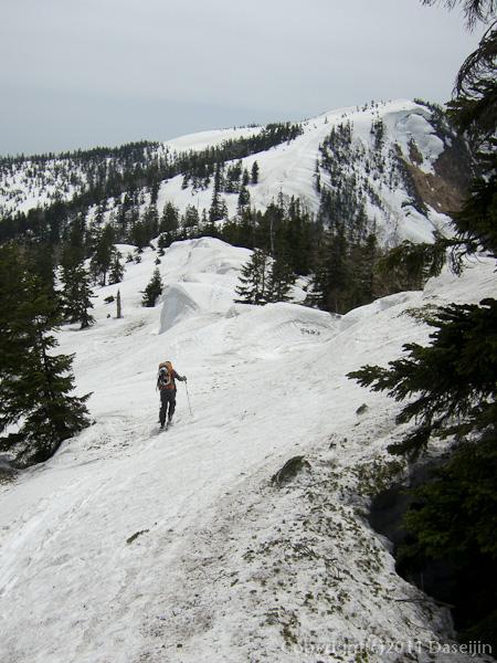 120429平ヶ岳・1911ピークからススヶ峰へ
