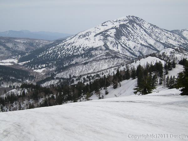 120429平ヶ岳・ススヶ峰から至仏山