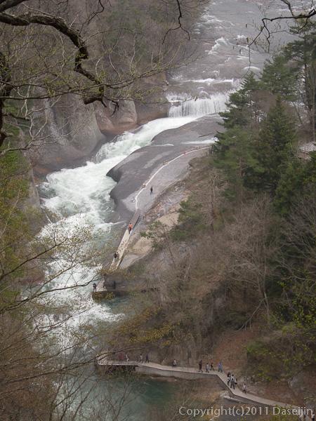 120430吹割の滝・観瀑台から全景