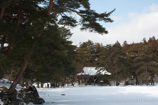 120213世界遺産平泉・毛越寺の池