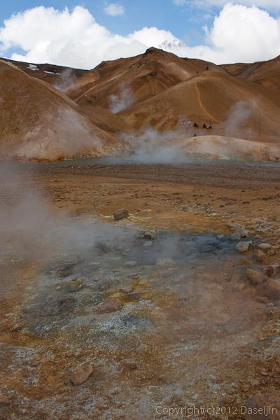120805アイスランド、グリーンランドの旅・ケルリンガール、山と噴出孔