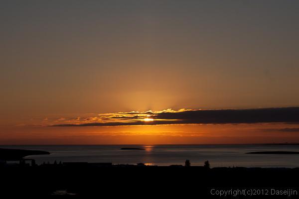 120805アイスランド、グリーンランドの旅・レイキャビックの夕日