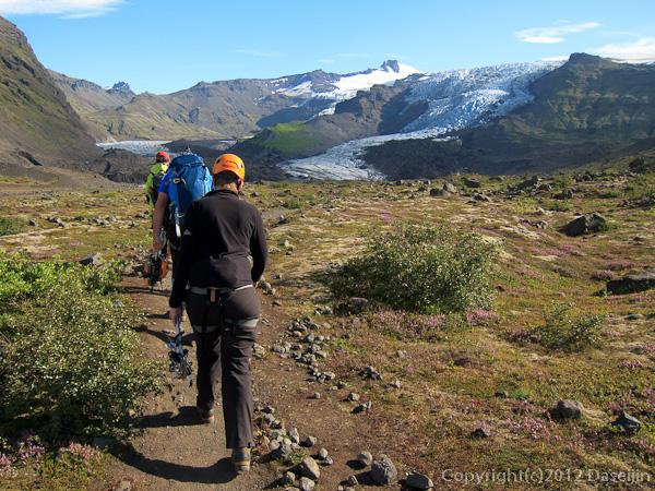120807アイスランド、グリーンランドの旅・スヴィナフェットル氷河を目指す