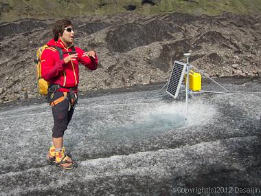 120807アイスランド、グリーンランドの旅・GPS観測装置