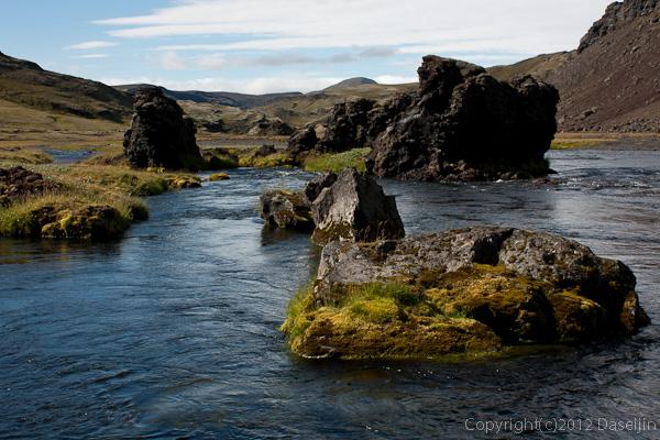 120808アイスランド、グリーンランドの旅・ELDGIAの河原