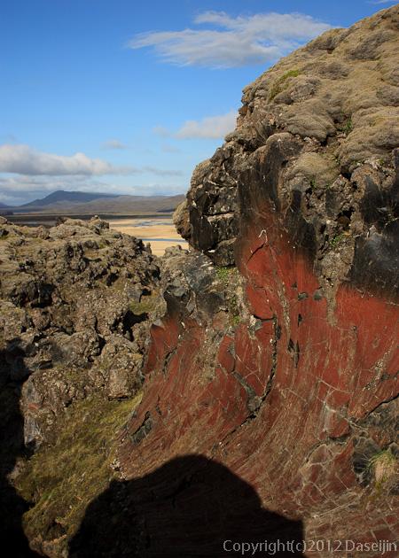 120808アイスランド、グリーンランドの旅・ランドマンナロイガルの裏山