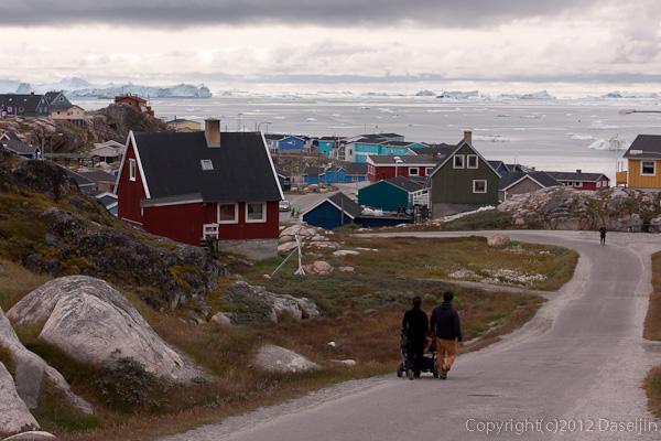 120810アイスランド、グリーンランドの旅・イルリサットの街を散歩