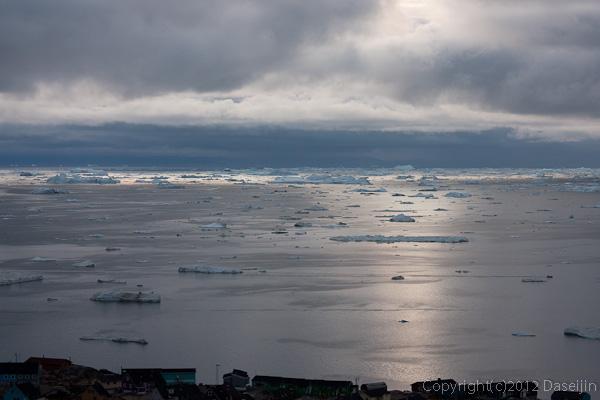 120810アイスランド、グリーンランドの旅・夕暮れ