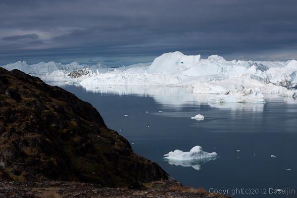 120811アイスランド、グリーンランドの旅・イルリサット世界遺産地区の氷山2