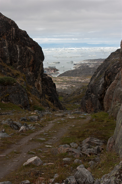 120811アイスランド、グリーンランドの旅・イルリサット、ゴルジュ状を下る