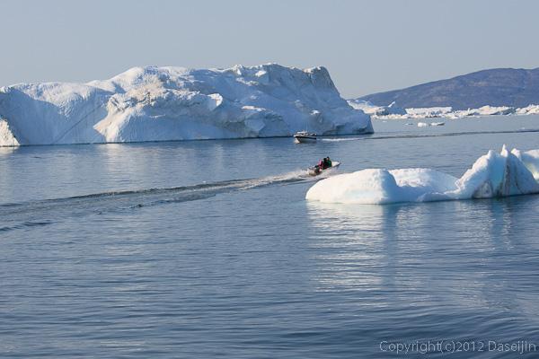 120812アイスランド、グリーンランドの旅・イルリサットは近い
