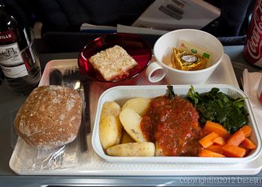 120815アイスランド、グリーンランドの旅・グリーンランドエアー機内食