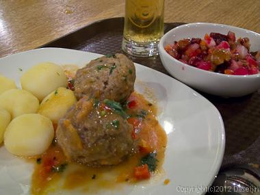 120817アイスランド、グリーンランドの旅・モスクワ空港で昼食