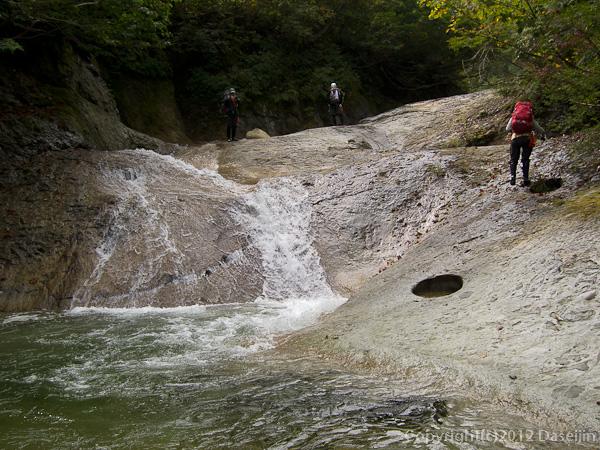 121006恋ノ岐・ナメ滝が続く