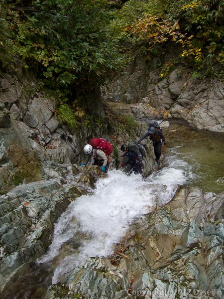 121007恋ノ岐・小さな滝が多い