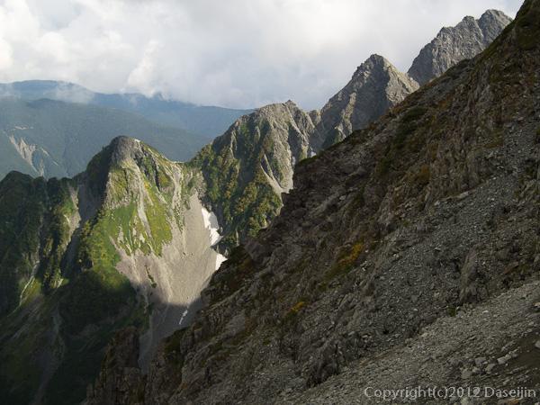 120921北穂前尾根・穂高岳山荘から前穂北尾根