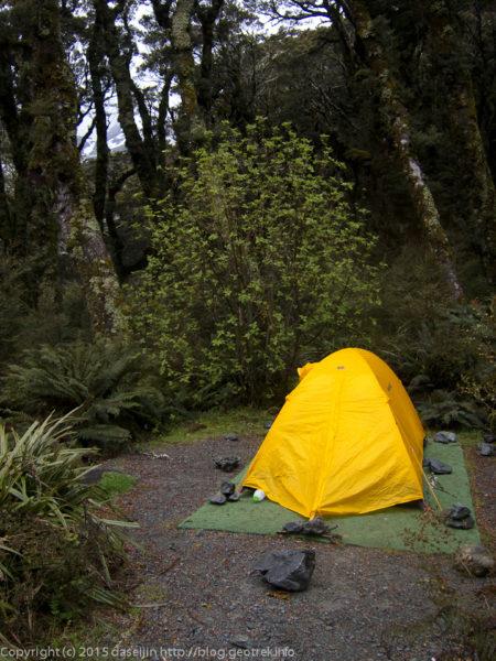 マッケンジー湖小屋のキャンプサイト