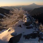 雪深い国師岳へ~甲武信岳から金峰山(2)