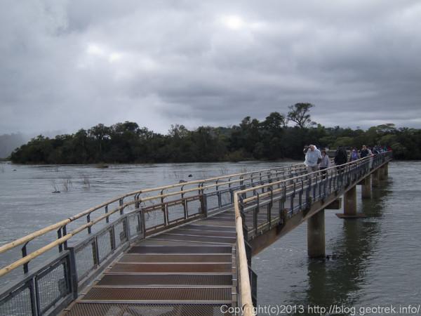 130827イグアスの滝・悪魔ののど笛への桟橋