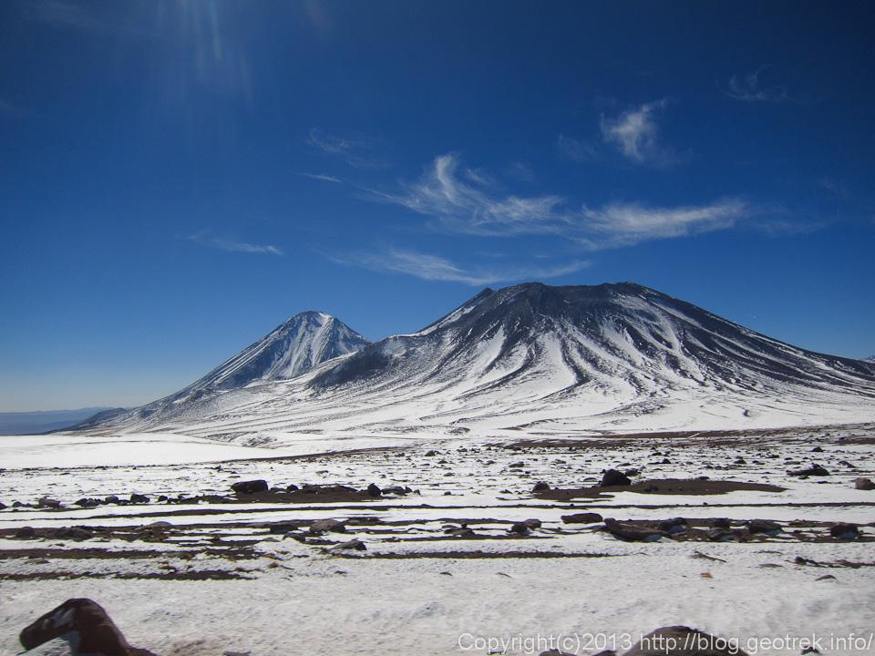 130901サンペドロ・デ・アタカマのシンボルリカンカブール山