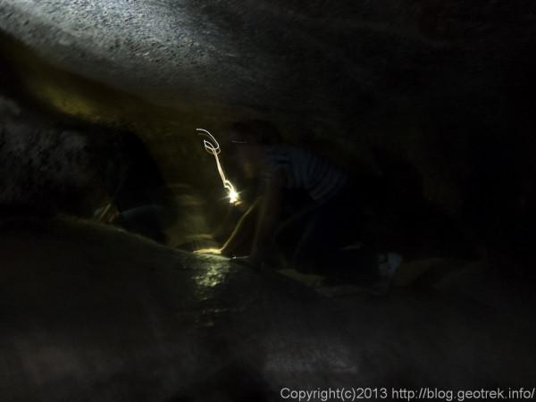 130902サンペドロ、月の谷の洞窟