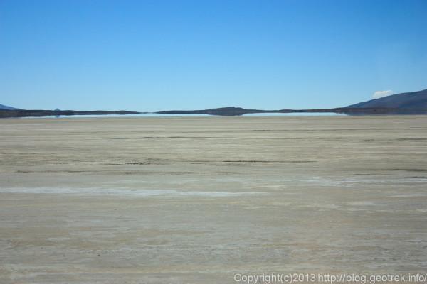 130904アタカマ砂漠、チグナ塩湖の蜃気楼2