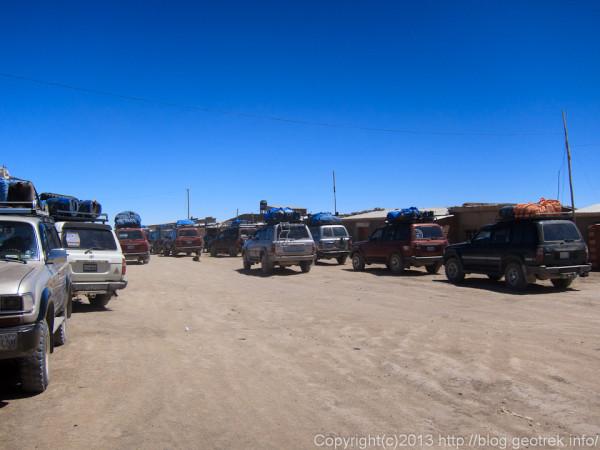 130905ボリビア、ウユニ塩湖ツアーの車