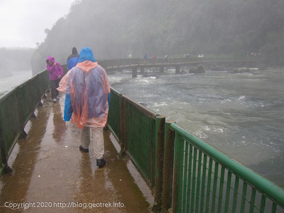 130826 ブラジルイグアスの滝 来た道を戻る