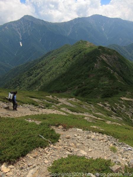 20130811仙塩尾根、北岳を正面に