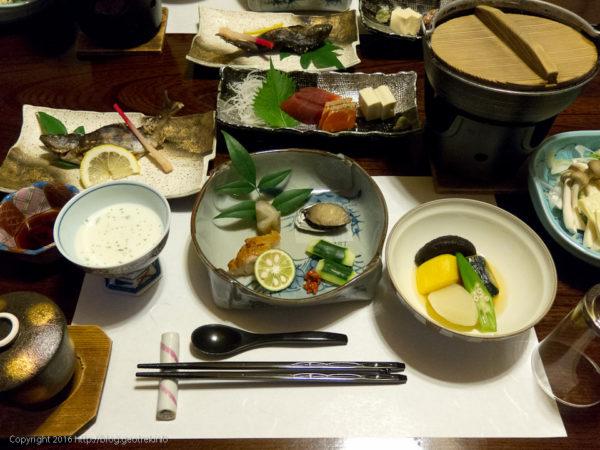 160723下部温泉源泉館夕食