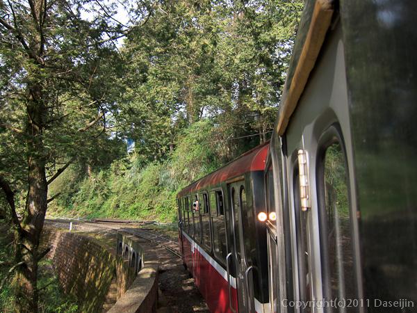 120310阿里山・山岳鉄道で神木駅へ