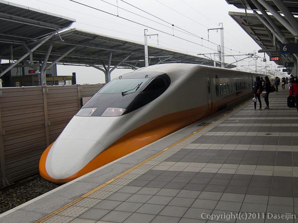 120312嘉義・高鉄が入線