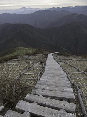 111105谷川岳・三国山から三国峠へ下る