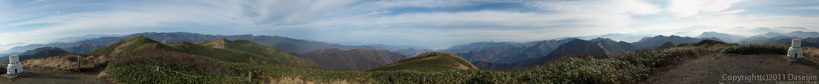 111105谷川岳・仙ノ倉山のパノラマ