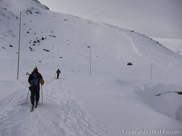111127立山スキー・国見岳へ、昨年の雪崩の斜面