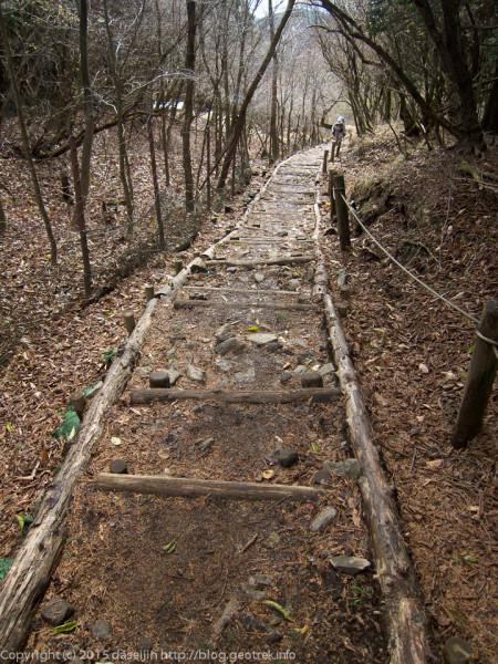 大倉尾根の階段