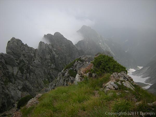 110815剱岳北方稜線池ノ谷尾根の頭から八ッ峰